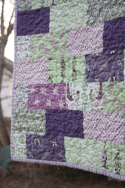 Purple quilt -- love the color combo. There's no pattern, but it's easy.