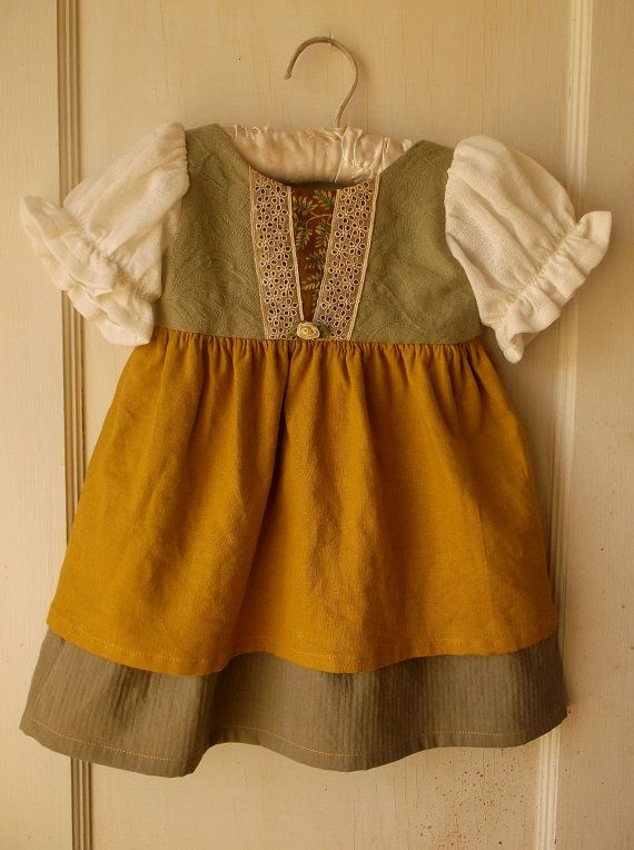 Hobbit Costume from Lord of the Rings in Yellow and Green for Baby / Toddler @Mandy Bryant Bryant Oliver I think this is a MUST for next year! Grayson can be Gandalf ;D