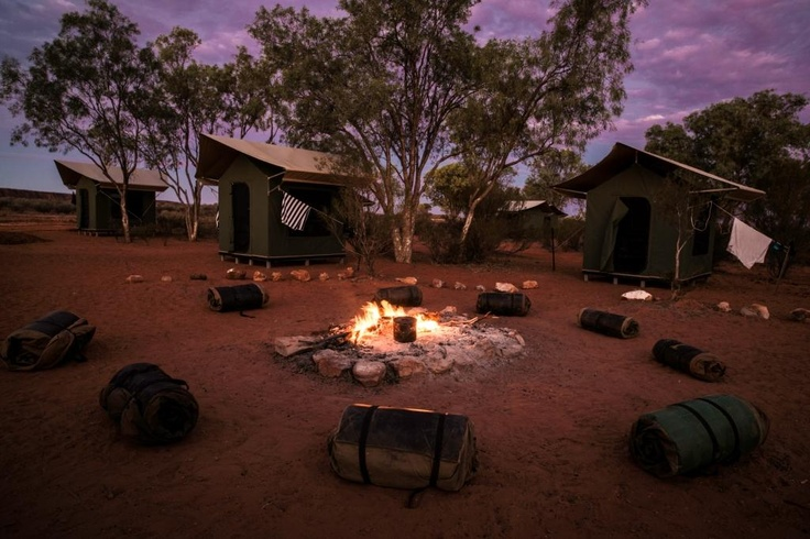 Permanent campsite at Uluru http://www.realaussieadventures.com/travel-info/articles/northern-territory-red-centre-permanent-campsites/