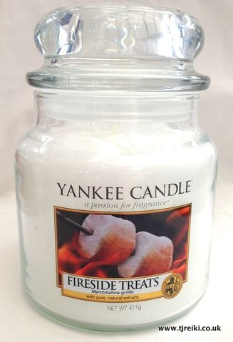 Yankee Candle Fireside Treats Housewarmer Jar. My favourite one ever! Beautiful scent and great throw!