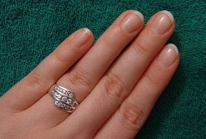 Na czym polega manicure biologiczny? http://akademiaurody.o12.pl/