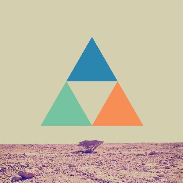it looks like a triforce from legend of zelda