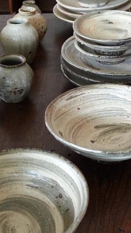 Really Rustic Kitchen Designs| Serafini Amelia| Rustic Pottery Dish Set