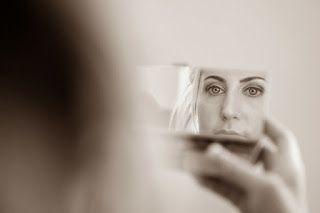 Folklore y TIC ¿Por què no? : Desde el fondo del espejo, asoma una nueva histori...