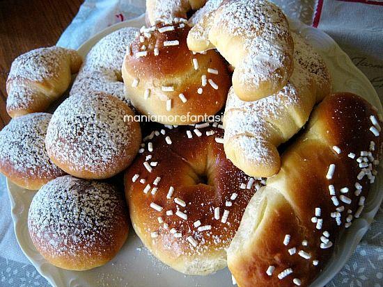 Brioche al miele senza burro, leggere e soffici per la colazione o la merenda, da gustare semplici con zucchero a velo o con un velo di marmellata o nutella