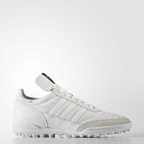 Stunning White / Silver Adidas Mundial Team 2017 Boots