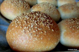Pan di Pane: Panini morbidi all'olio con pasta madre, Mini buns.