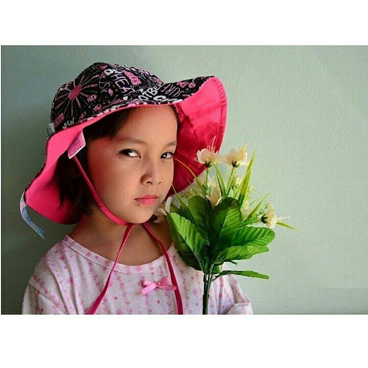 Sun hat pink splash Brand : My Swim baby Rp.125.000  Ukuran L (18-36 bulan) M (6-18 bulan) 100% polyester