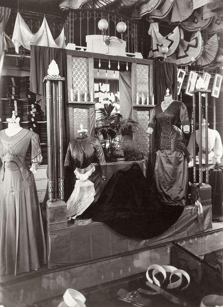 1000 images about oude winkels en bedrijven on pinterest for Interieur winkel utrecht