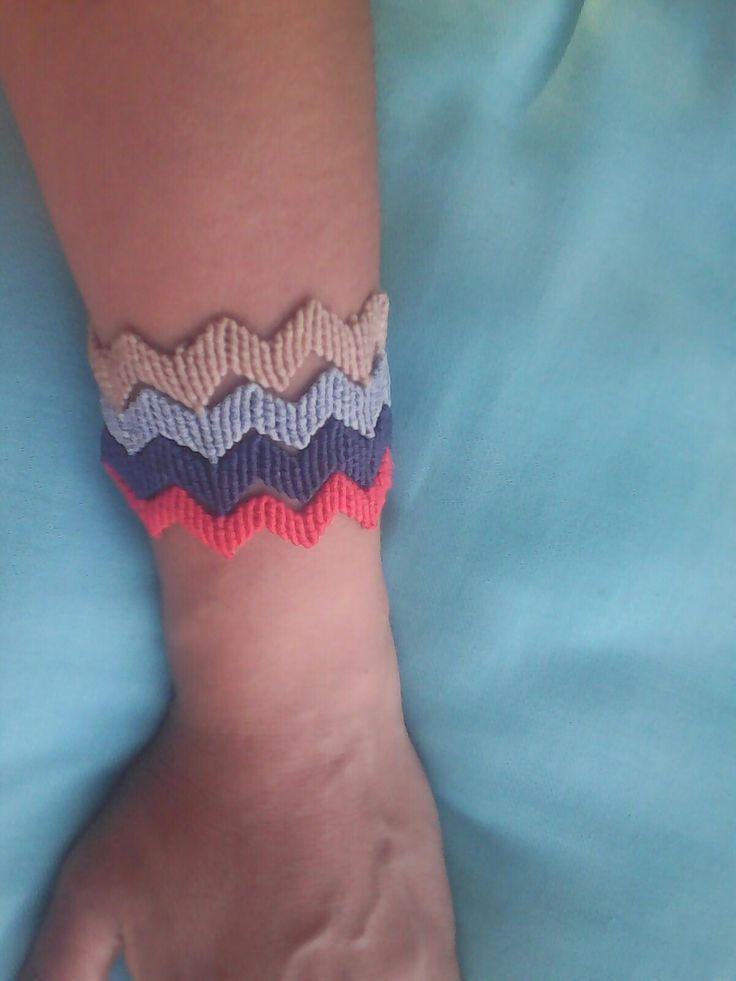Macrame bracelet 4 in one!