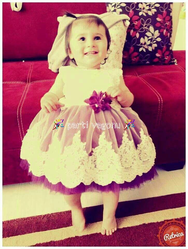 V eee e eee bayramda sizden gelenler☺ Özel dikim gelinliğimiz prensesim çok yakışmış☺bizi tercih ettiği için EMİNE SARI hanıma teşekkür ederiz☺ #partivagonu #party #parti #doğumgünüpartisi #doğumgünü #birthdayparty #konuşmabalonu #instaparty #kolonyaşişesi #kokulutaş #tasarım #sünnet #30yaşpartisi#1yaş#bebekgelinliği#bebekkostümü#çocukgelinlik#çocukkostüm#konseptparti