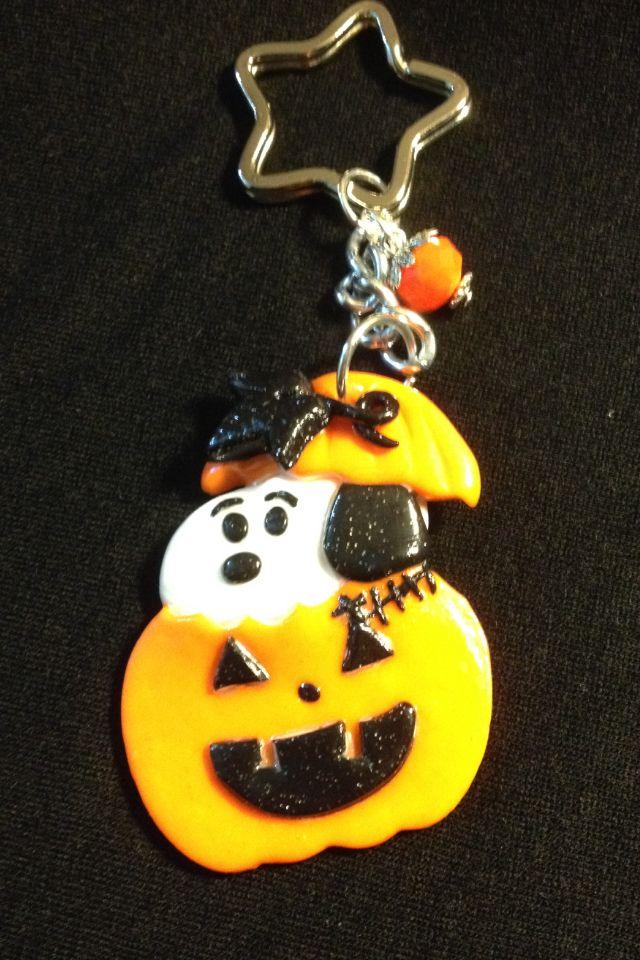 fimo portachiavi snoopy halloween fatto a mano