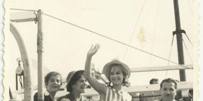 Αλίκη Βουγιουκλάκη. Μοναδικές αδημοσίευτες φωτογραφίες από την επίσκεψή της στη Σύρο. | Syrosmap