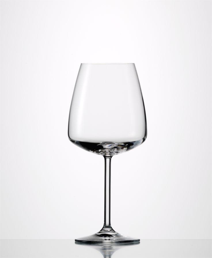 Eisch Vintec Burgundy    Avante-garde flat bottom design Led-free crystal Made…