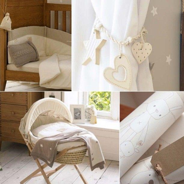 Интерьер детской 🍭 #детская #интерьер #свет #стиль #декор #кроватка #шторы #рисунки #серый #белый #звезда #interior #decor #design #style #light #kids #pillow #gray #white #nursery #bed #star #curtains