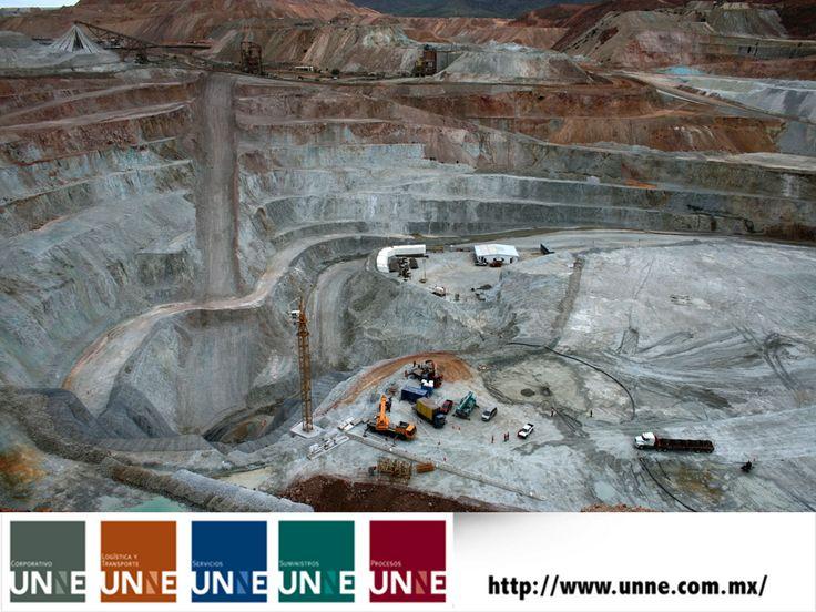 CORPORATIVO UNNE te dice. ¿Qué es minería subterránea? Es la extracción y transporte de los minerales que se encuentran al interior de la montaña o a gran profundidad bajo el suelo y que se sacan a través de túneles que conducen a la superficie