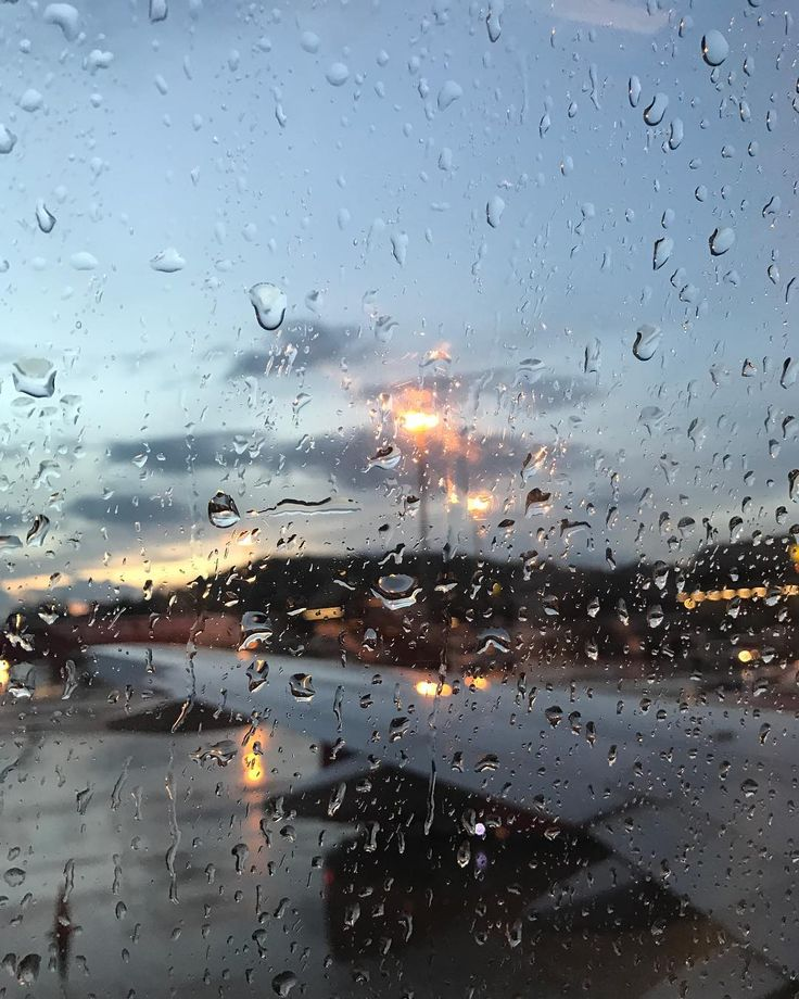 Пхукет снова провожает дождём... #пхукет #тайланд #instadaily #instagram #instagoodmyphoto #instagood #phuket #phuket2017 #photography #photooftheday #photographer #thai #thailand #thepicofday #rain http://tipsrazzi.com/ipost/1521562015808846726/?code=BUdrJeAA3uG