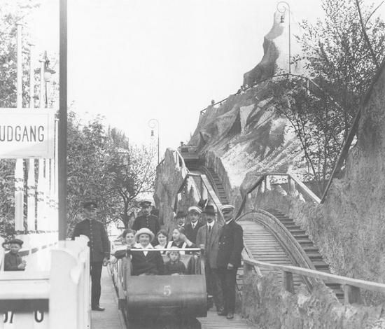 Tivoli. The 720 m long roller coaster of wood 1914 is the world's oldest, still functioning slide. Every year fixes over 1 million. ticket to this theme, which in 2000 still Tivoli's most popular. Photograph from the 1914th