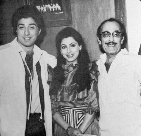 """791 Likes, 6 Comments - muvyz.com (@muvyz) on Instagram: """"#muvyz070717 #BollywoodFlashback Sunny Deol and Dimple Kapadia with Nasir Hussain on the sets of…"""""""