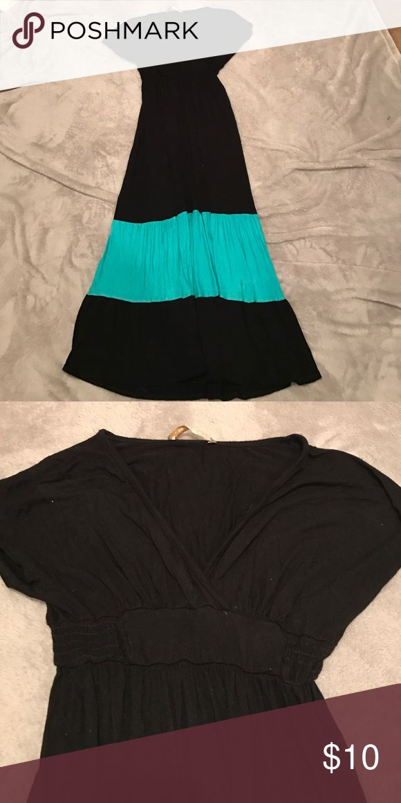 Black and Teal maxi dress Worn but with no flaws or pilling size small (shorter maxi dress) Malloy Dresses Maxi