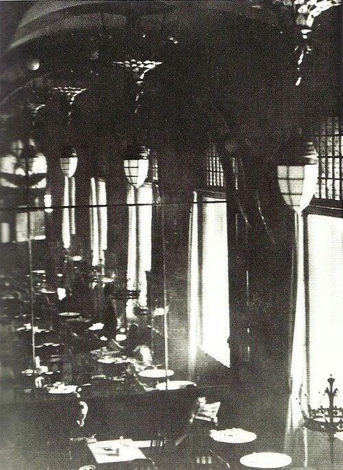 Sacha Stone- Le Romanische Café, Berlin, 1926