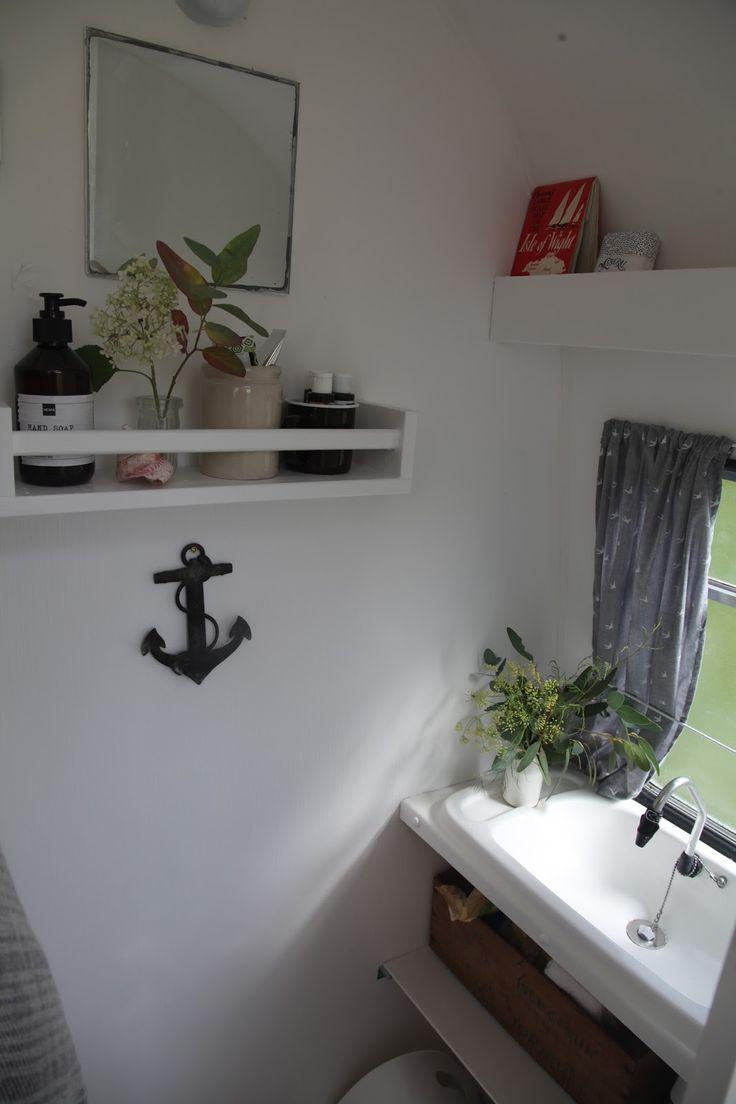 Caravan bathroom unit - J U N K A H O L I Q U E Vintage Caravan Renovation Project Part 2 Completion