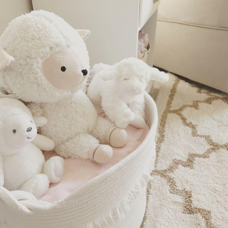 Blush Nursery With Neutral Textures: 25+ Best Baby Lamb Nursery Ideas On Pinterest