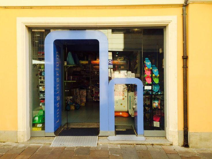 Das nenne ich einen kundenorientierten Spielzeugladen!  #Kundenbrille #Alexanderplath