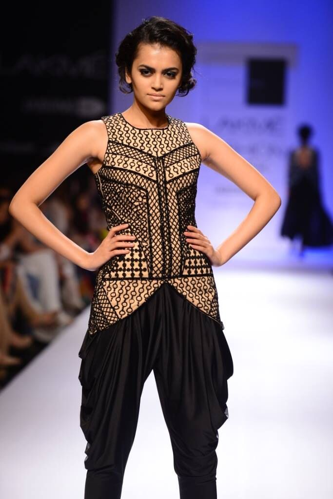 Loved the unique sense of sytle by sonaakshi Raj ~ one my fav in this season LFW2014