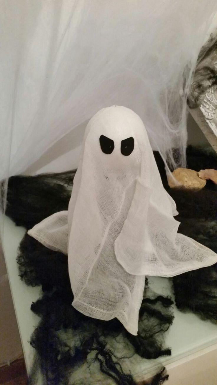 Fantasma hecho de gasa y bola de porex. Decoración de este Halloween 2016 en casa!!