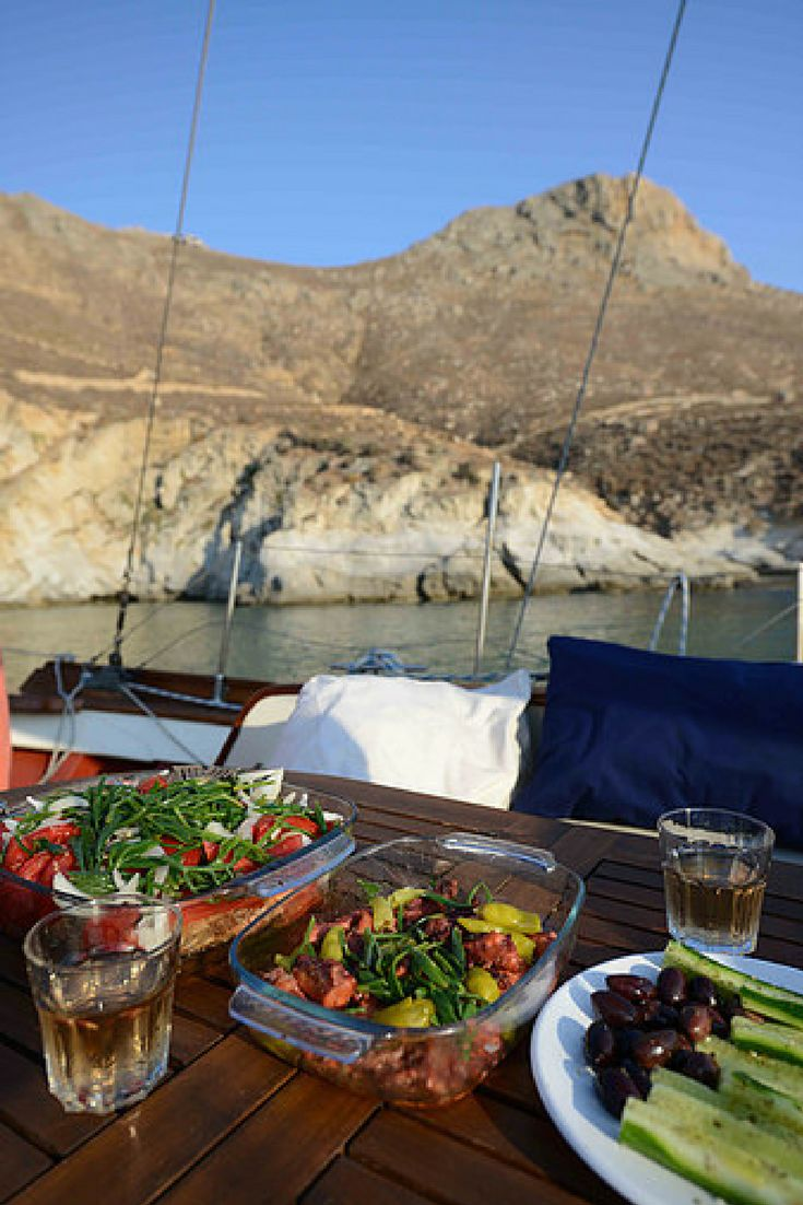 What about having a great meal at one of our boats? Go island hopping! #BecomeTraveler #GreekIslands #IslandHopping #Greece #Hopwave