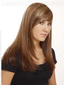 Dimensões - Mime-se com toneladas de destaques naturais para um brilho adicional. Este é um penteado de baixa manutenção, que mantém o seu olhar feminino e inocente. A franja permitir que o seu rosto para ser enquadrada, deixando o seu brilho características faciais. Para ter este estilo, basta aplicar um pouco de creme de alisamento para o cabelo e seque-o usando uma escova raquete para alisar o cabelo. Uma vez que é livre de umidade, use o plano de ferro para detalhar seu estilo escolhido.