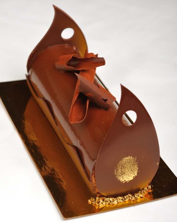 """#BWHoliday """"Buche de Noel"""" Lux Chocolate - Part of THE Blvd's new """"Holiday Treasure"""" menu. Desserts made-to-order from our pastry kitchen. To order please contact THE Blvd's General Manager Jeremy Hargrove at jeremy.hargrove@fourseasons.com or 310.385.3901"""