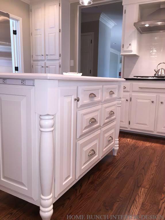 Kitchen island paint color benjamin moore oc 17 white for Benjamin moore white dove kitchen cabinets