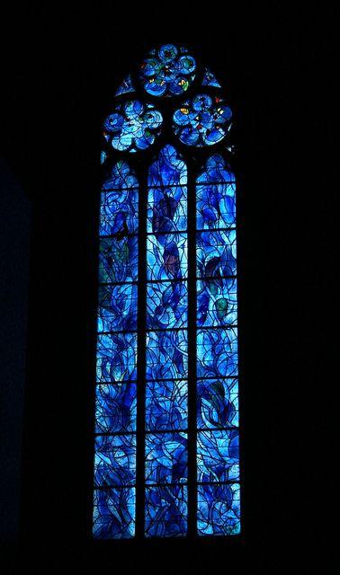 St. Stephan, Mainz ~ stained glass window #vitraux | St. Stephan, Mainz - 3 Chorfenster von Marc Chagall in der Kirche St. Stephan zu Mainz in dem unverkennbaren Chagall-Blau.