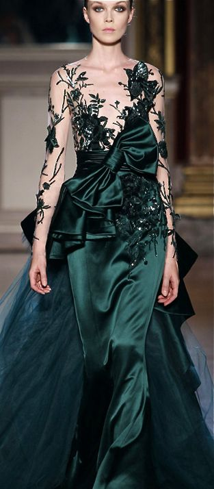 Zuhair Murad Gorgeous Green Gown - okay would love to see a little more coverage on the top, but the detailing in this is incredible. Wow.