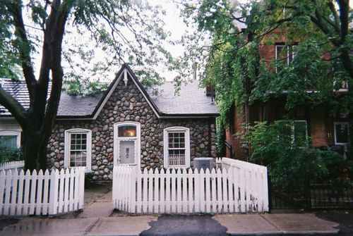 ..Cottages Style, Cobblestone House A, Cobblestone Cottages, House Cottages, Dreams House, Architecture Arquitectura,  Pale, White Picket Fence, Stones House