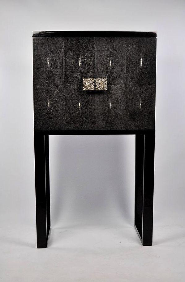 ginger brown meubles et accessoires en galuchat et parchemin shagreen and parchment furniture and accessories