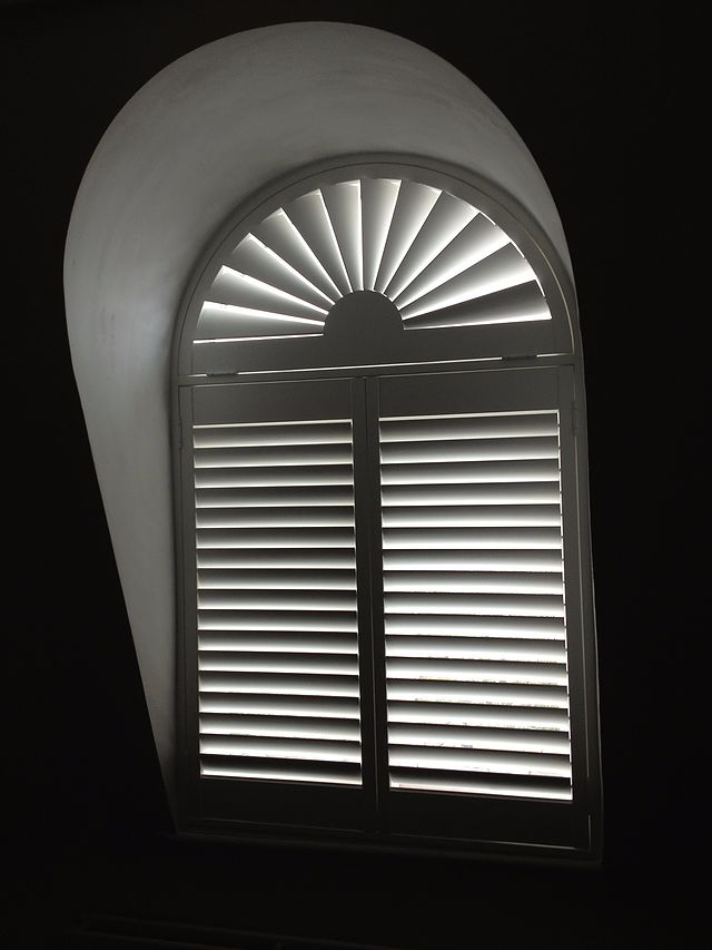 Suppliers and Installers of solid wood plantation shutters, We also offer MDF, engineered, vinyl shutters. For a free consultation and estimate call or email.