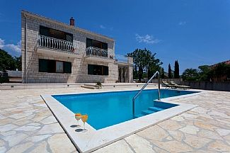 Villa Vjeka in Sumartin, Brac Island, Dalmatian Coast, Croatia. Book direct with private owner. CR697