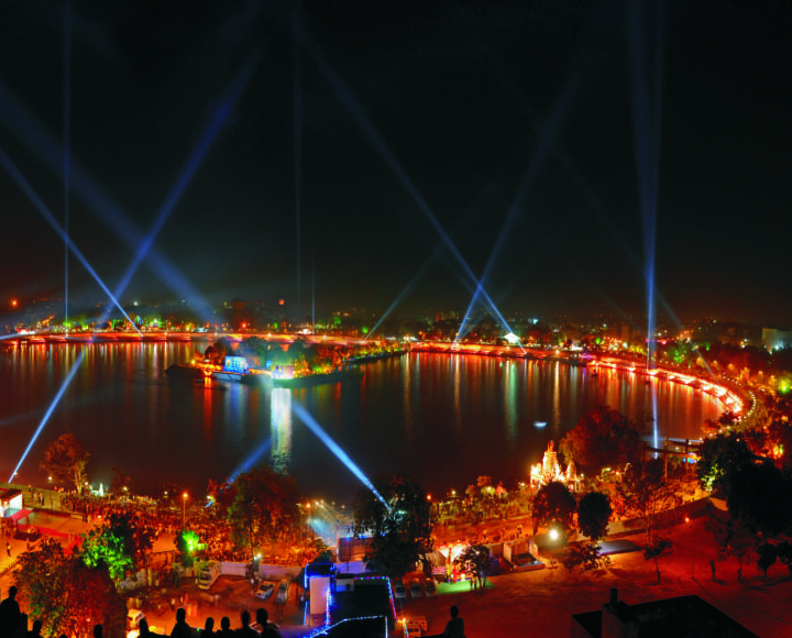 Kankariya Lake Ahmedabad Famous Tourist Spots Of India Pinterest Beautiful It Is And