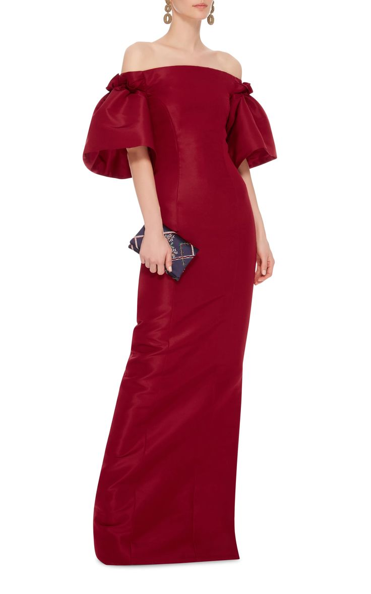 Oscar De La Renta Off-The-Shoulder Silk Gown