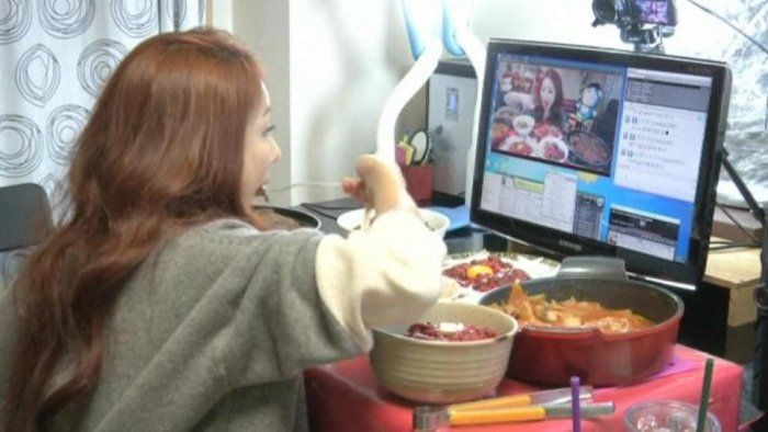 Impazza la trasmissione di #food #blogging nella tv coreana...