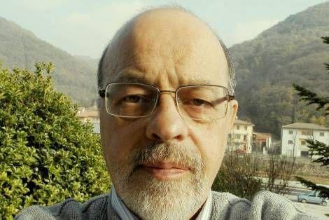 Il Dott. Claudio Sauro, laureato nel 1977 in Medicina e Chirurgia ha sviluppato un protocollo molto efficace per prevenire e trattare le malattie tumorali in maniera naturale evitando la chemioterapia. Eccolo: