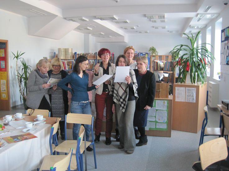 Spotkanie Zespołu Samokształceniowego - wspólnie odśpiewany hymn bibliotekarza