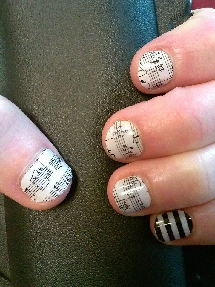 Jamberry's Sports & Hobbies section is a great way to show off your favorite things!  This manicure is Sheet Music with Black & White Stripe.
