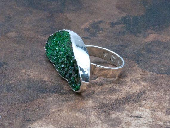 Unique Uvarovite Big Ring Druzy Green Sparkling by SunSanJewelry