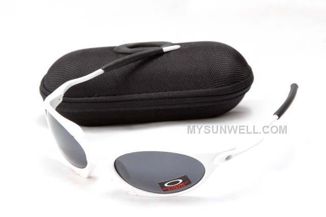 http://www.mysunwell.com/cheap-oakley-juilet-sunglass-white-black-frame-black-lens-for-sale.html CHEAP OAKLEY JUILET SUNGLASS WHITE BLACK FRAME BLACK LENS FOR SALE Only $25.00 , Free Shipping!