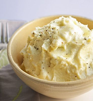 Cheesy (low carb) Cauliflower Puree...without the watery problem of other mashed cauliflower recipes!