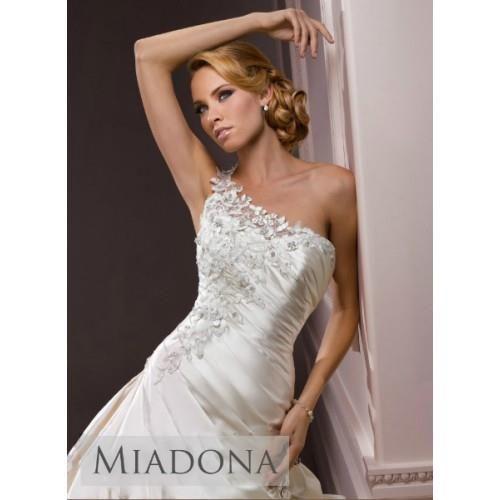 Свадебное платье с одной бретелькой